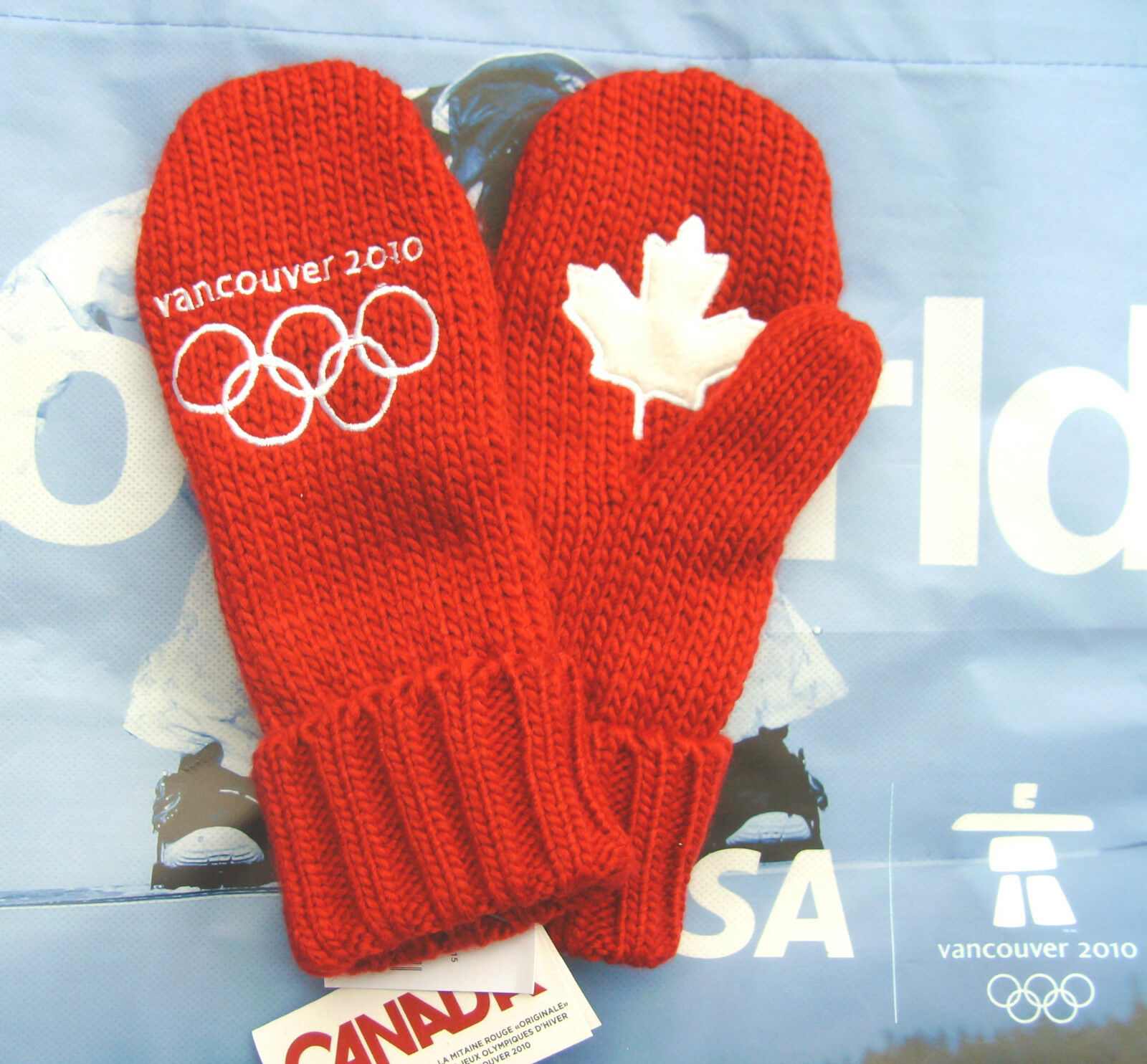 Original Vancouver 2010 Winter OLYMPIC RED MITTENS Youth Size O S New With Tags
