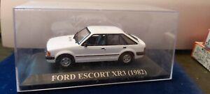 IXO-1-43-FORD-XR3-DE-1982-WHITE-NEUF-EN-BOITE