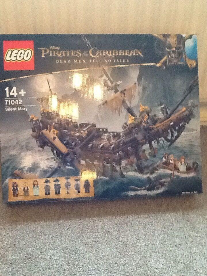 BNISB LEGO 71042 Pirati dei Caraibi: SILENT Mary in mano NUOVO