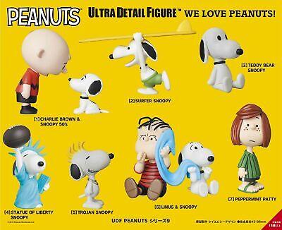 Medicom Ultra Detail Figure Peanuts Series 7 Magician Snoopy No.376