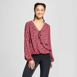 Women-Printed-Long-Sleeve-V-Neck-Top-Mossimo