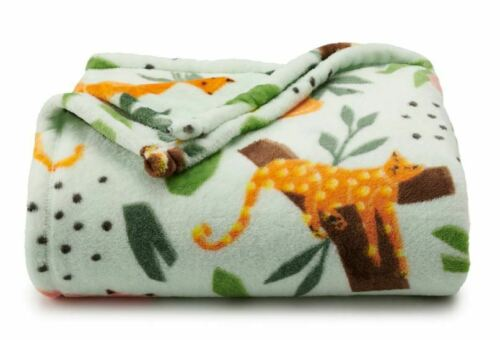 The Big One Jungle Cats Plush Throw Super soft 60 x 72 Green Leaves New SOLD OUT