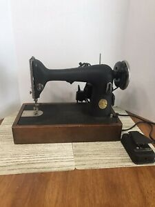 1946-Singer-Heavy-duty-WORKS-Sewing-Machine-case-AG671414