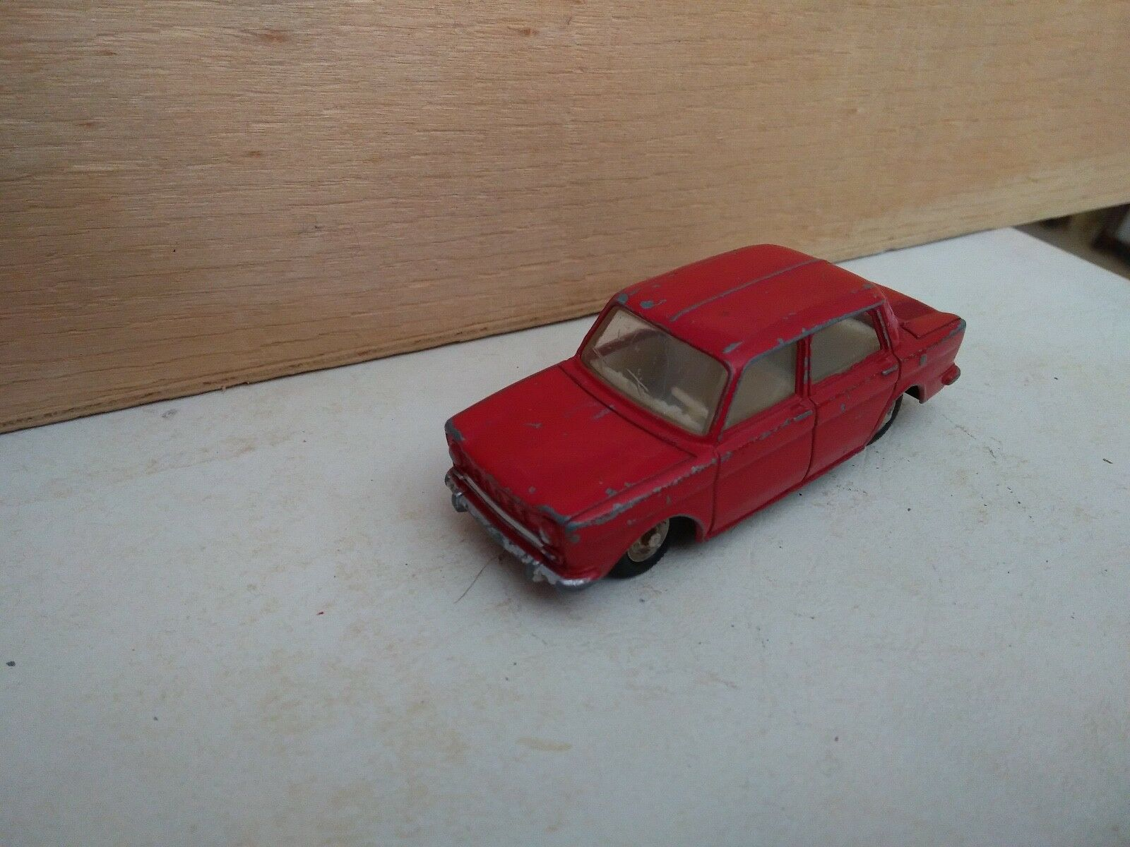 Dinky toys france simca 1000 ref 519