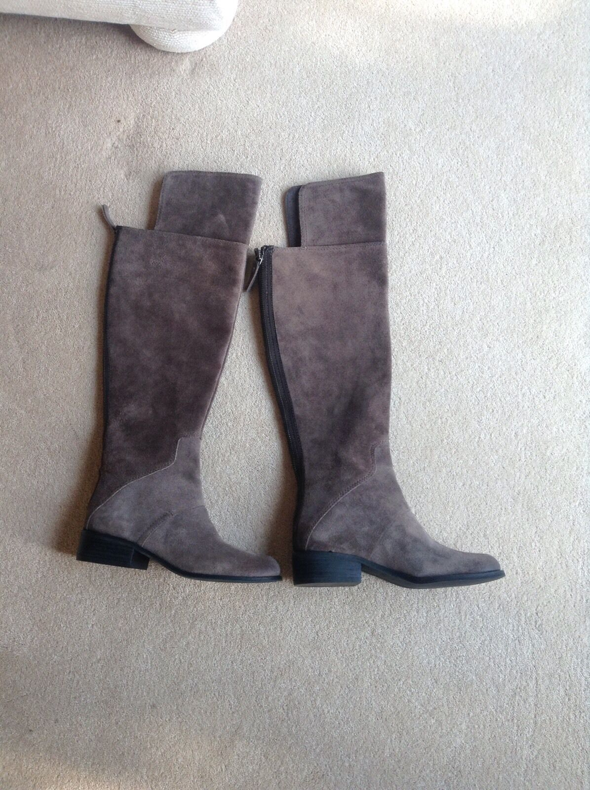 NINE WEST BRAND NEU BOOTS OVER THE KNEE GREY SUEDE SIZE 3 USA 5M