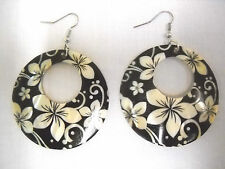 NEW ELEGANT BLACK & WHITE FLOWER PRINT SHELL ROUND HOOP FASHION DANGLE EARRINGS