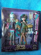 Monster High  Lagoona Blue & Cleo De Nile  Toys R Us Gift Set