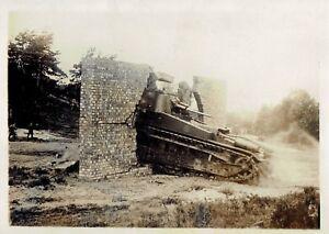 Les-man-uvres-de-Tank-en-Angleterre-annees-30-photo-meurisse