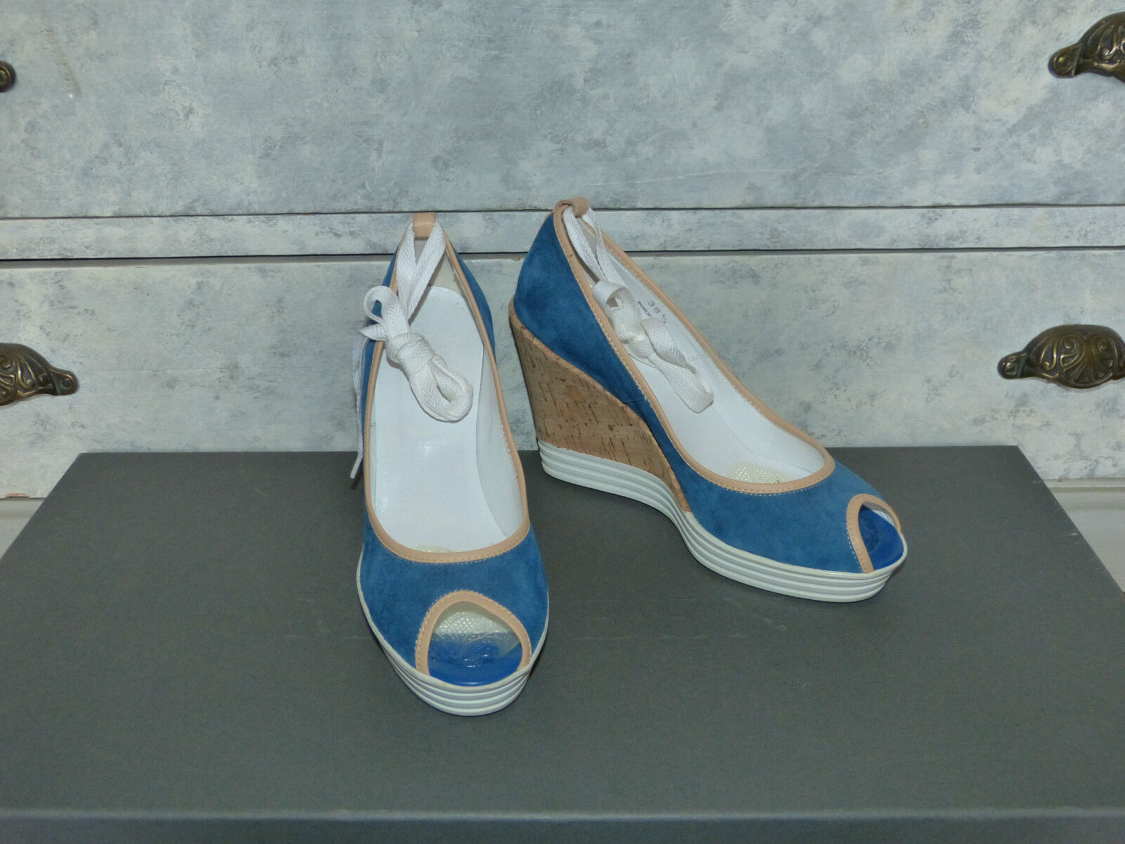 hogan sandals blueee beige and white size 38,5 like new