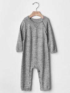 af58a5c128db GAP Baby Boy Size 0-3 Months Light Gray Marled One-Piece Sweater ...