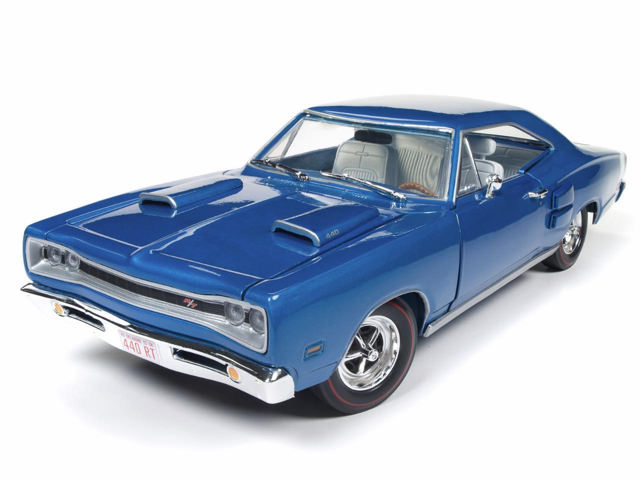 Auto World 1 18 American Muscle 1969 Dodge Coronet R T 50th Anniversary AMM1116