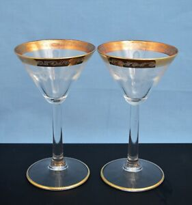 VINTAGE-PAIR-OF-CHAMPAGNE-GLASSES-W-ETCHED-GOLD