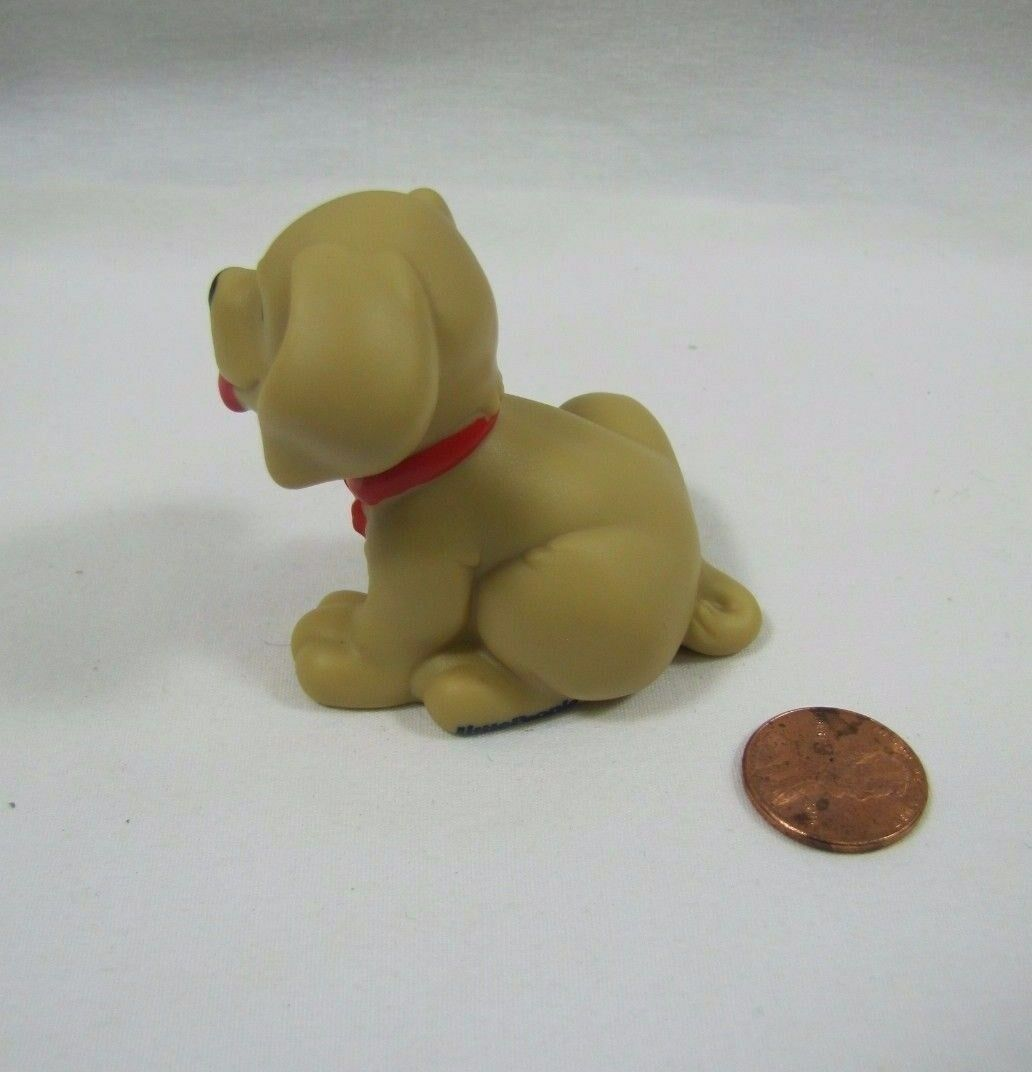 NEW Fisher Price Price Price Little People TAN PUPPY DOG DOGGY Red Collar Christmas Pet 68bb41