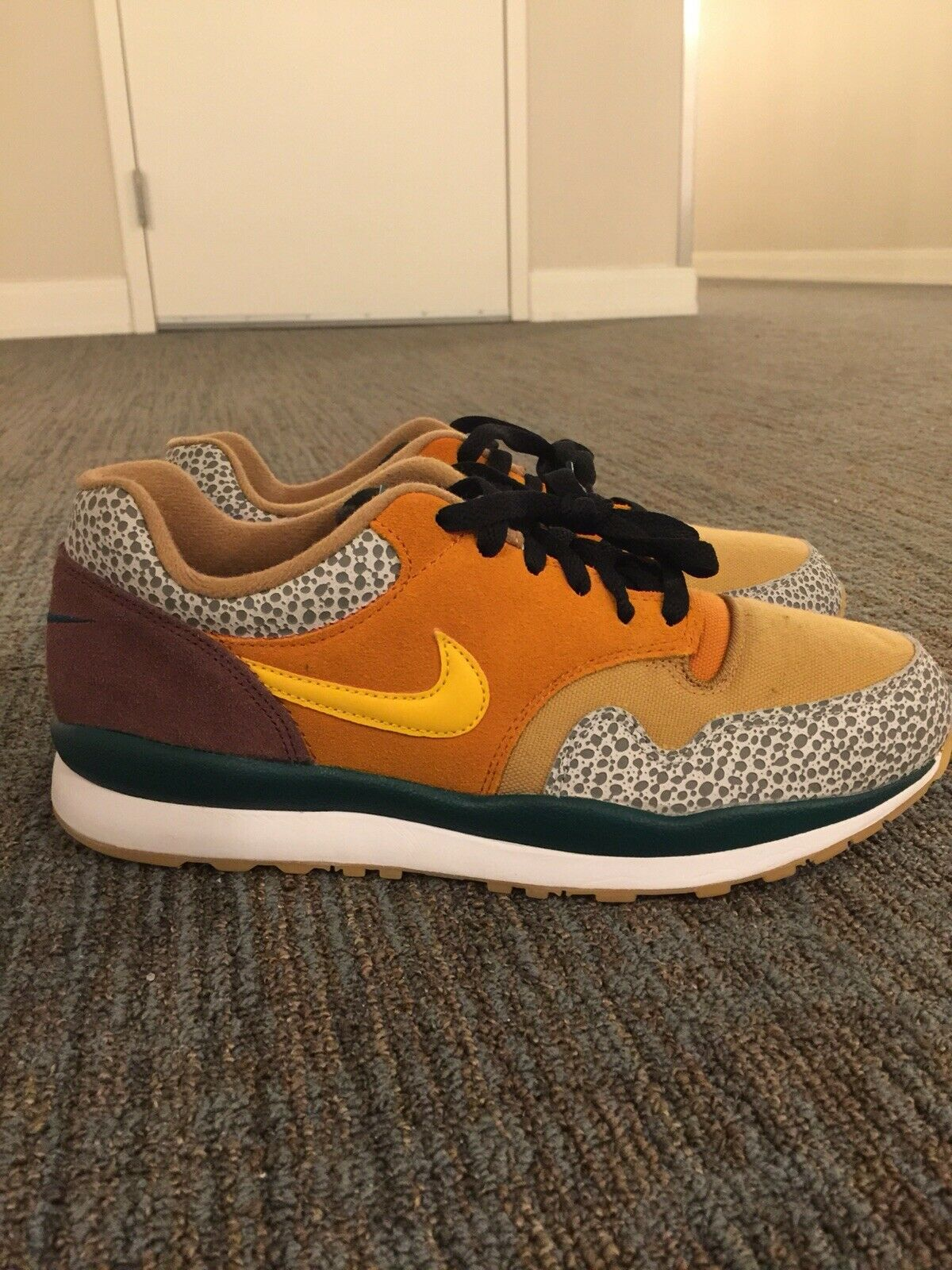 NIKE AIR SAFARI SE x ATMOS  - Men's Size 8.5 Brand New - (AO3298-800)