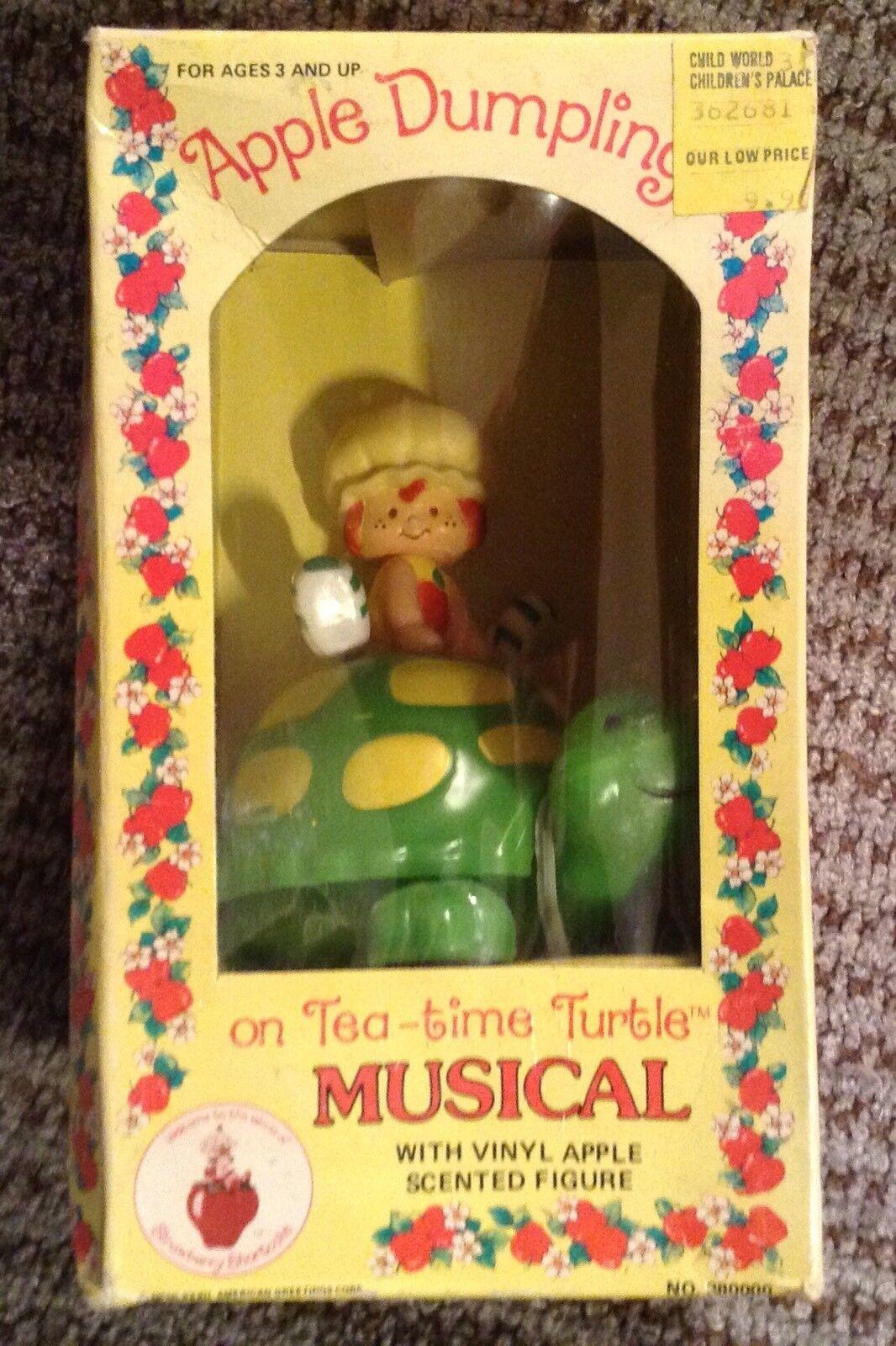 NOS Jahr Strawberry Shortcake Apple Dumplin Tea-time Turtle Music Box Works