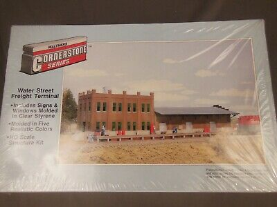 HO Scale Walthers Cornerstone 933-3009 Water Street Freight Terminal Kit