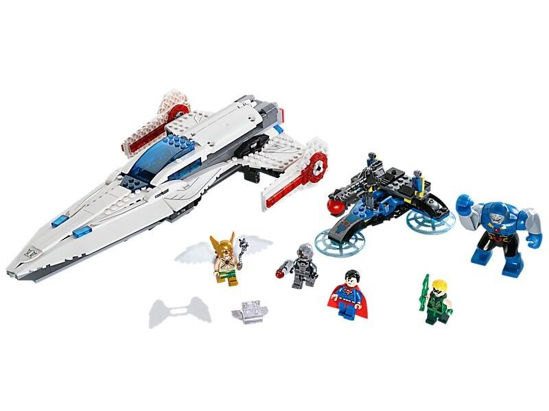 New Lego 76028.  Darkseid Invasion.  5 Mini figures Included.