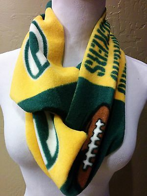 NEW!! NEW!! Green Bay Packers Fleece Infinity scarf . HOT!! Handcrafted. Unisex