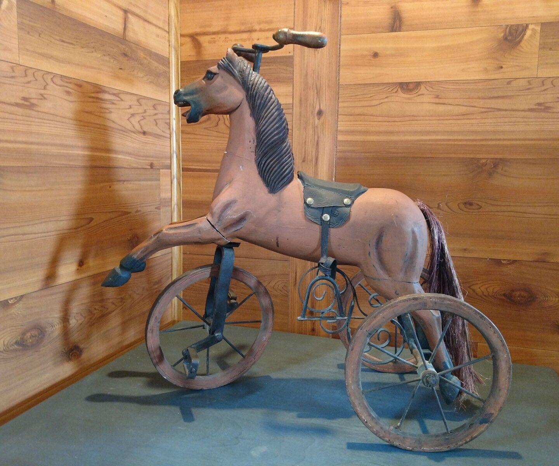 Antigua Muñeca Tamaño caballo Triciclo velocípedo con cola de pelo de caballo