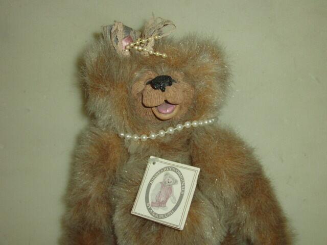 KIMBEARLYS HUNT ORIGINALS SARAH STUFFED BEAR  NEW W TAG  IE 0499 12  PLUSH NWT