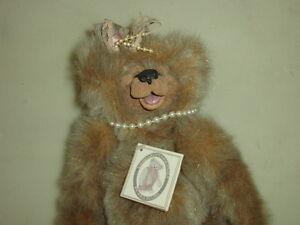 "Bears Manufactured Kimbearlys Hunt Originals Sarah Stuffed Bear New W Tag Ie 0499 12"" Plush Nwt >"