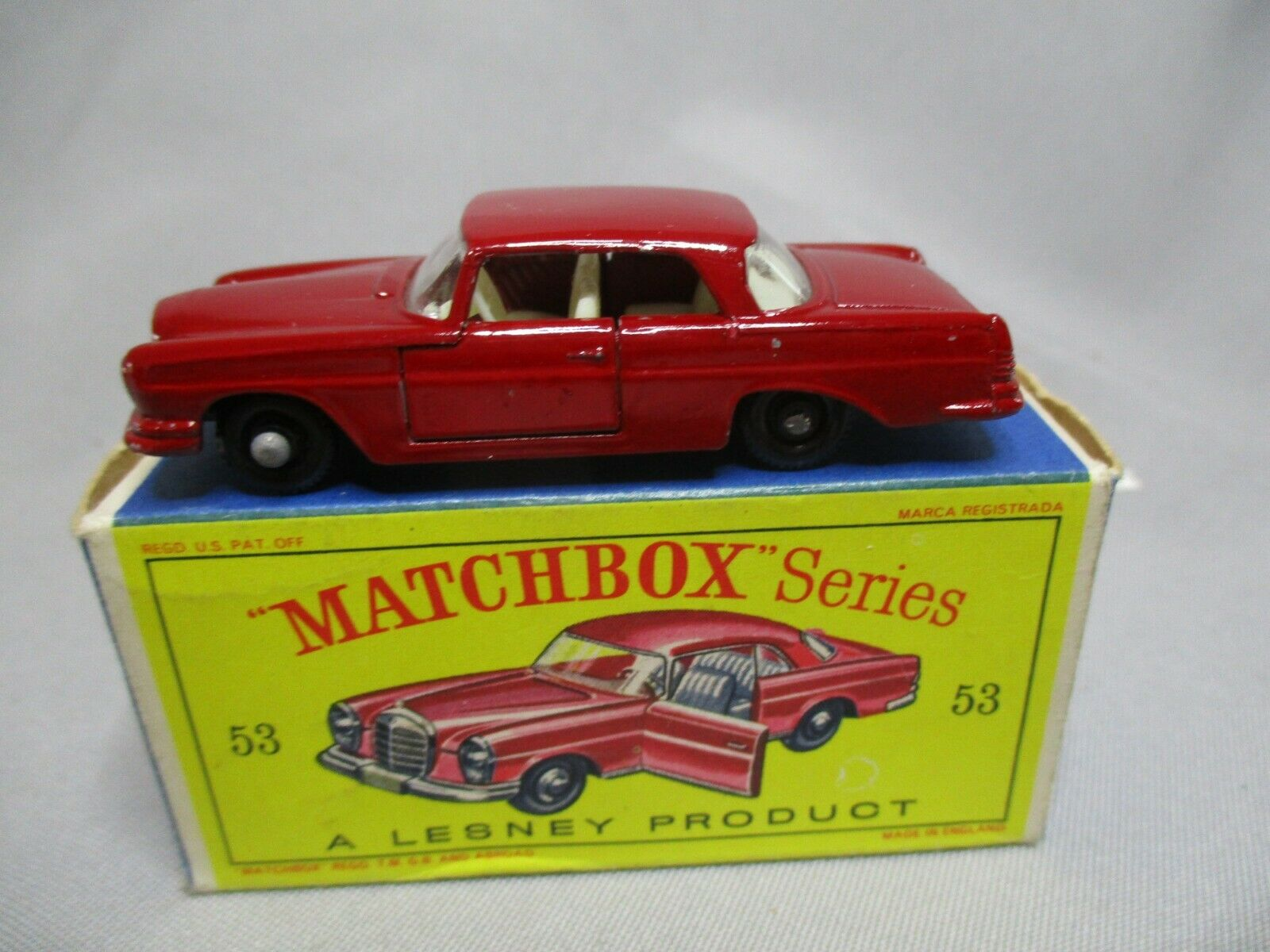 AJ813 MATCHBOX LESNEY MERCEDES BENZ COUPE 220 SE Réf 53 BON ETAT