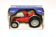 1:16 ERTL Ford 8N Tractor grey/red NEW bei PREMIUM-MODELCARS