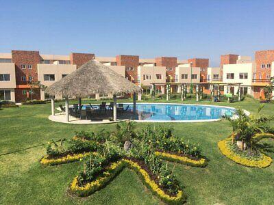 Casas con alberca, excelentes acabados amplios jardines