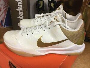 d16e78c403a4 2010 Nike Zoom KOBE V 5 BIG STAGE HOME PROMO WHITE GOLD BLACK 386429 ...