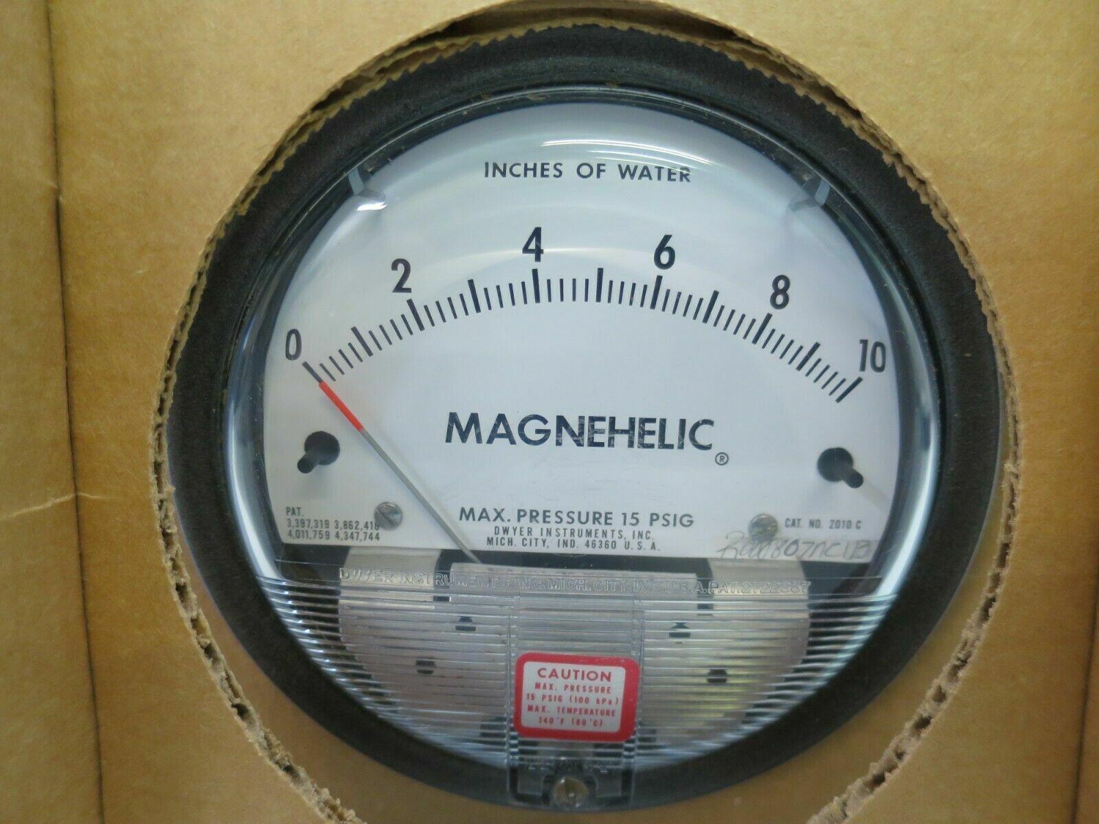 Dwyer Capsuhelic Series 4000 Differential Pressure Gauge Range 0-4WC Range 0-4WC Dwyer Instruments 4004