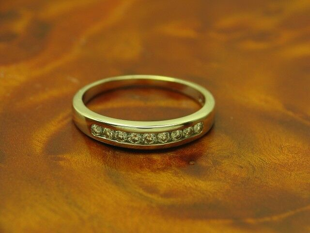 18kt 750 whitegold Ring mit 0,25ct Brillant Besatz   Diamant   2,3g   RG 52