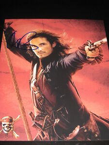 ORLANDO-BLOOM-SIGNED-8x10-PIRATES-OF-THE-CARIBBEAN-COA