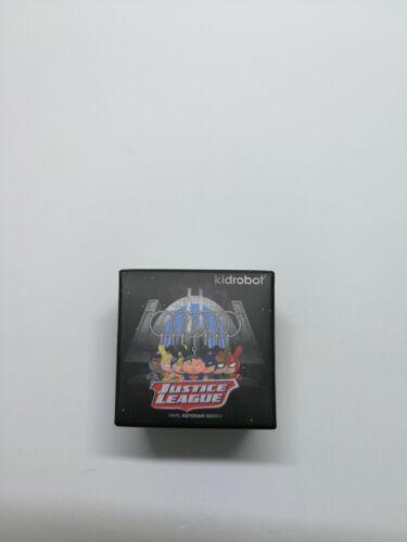 "Kidrobot x DC Comics Justice League Dunny 1.5/"" Keychain Green Arrow"