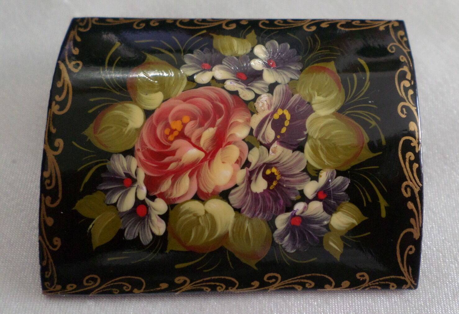 HAINPAINTED VINTAGE  RUSSIAN BEAUTIFUL pink BROOCH SIGNED