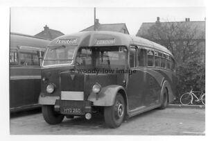 tm2994-United-Bus-Coach-HYO-260-to-London-photograph