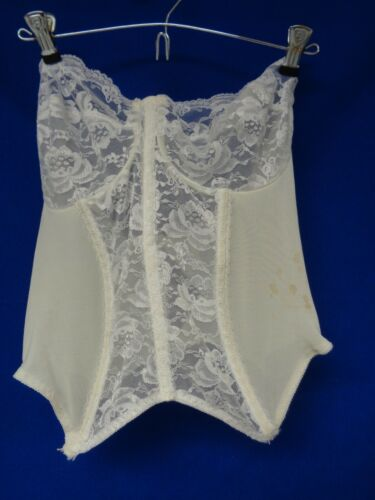 Vintage white Merry Widow Basque, 40 D, no name (G