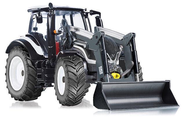 WIK77815 - Tracteur T174 VALTRA équipé d'un chargeur à godet et du relevage avan