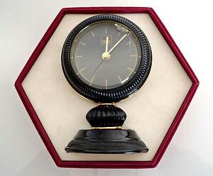 Pendule de bureau à poser quartz doré noir fabrication