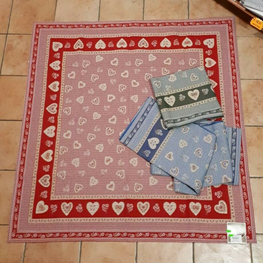 Cover Table-Table Rug-MOUNTAIN DECOR-Dirndl hearts