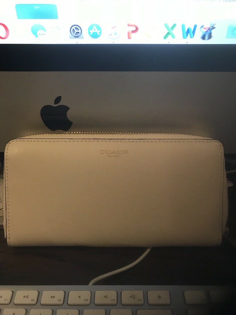 COACH NWT 49355 Saffiano Accordion Zip Wallet Soft Ivy - MSRP -