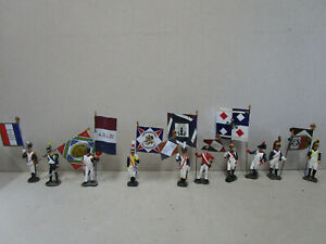 HACHETTE-10-porte-drapeau-Empire-armee-de-Napoleon-en-tres-bon-etat