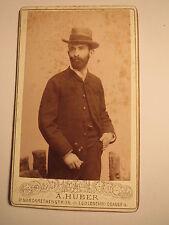 Wien - 1886 - B. Kohn ? als stehender Mann mit Bart & Hut - Kulisse / CDV