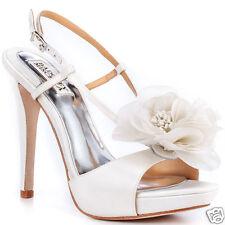 NIB Badgley Mischka Zabrina wedding bridal Flower heels sandals shoes White 10 M