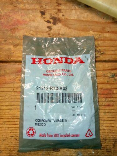 39X53X8 PART# 91213-R70-A02 Nok GENUINE HONDA Oil Seal