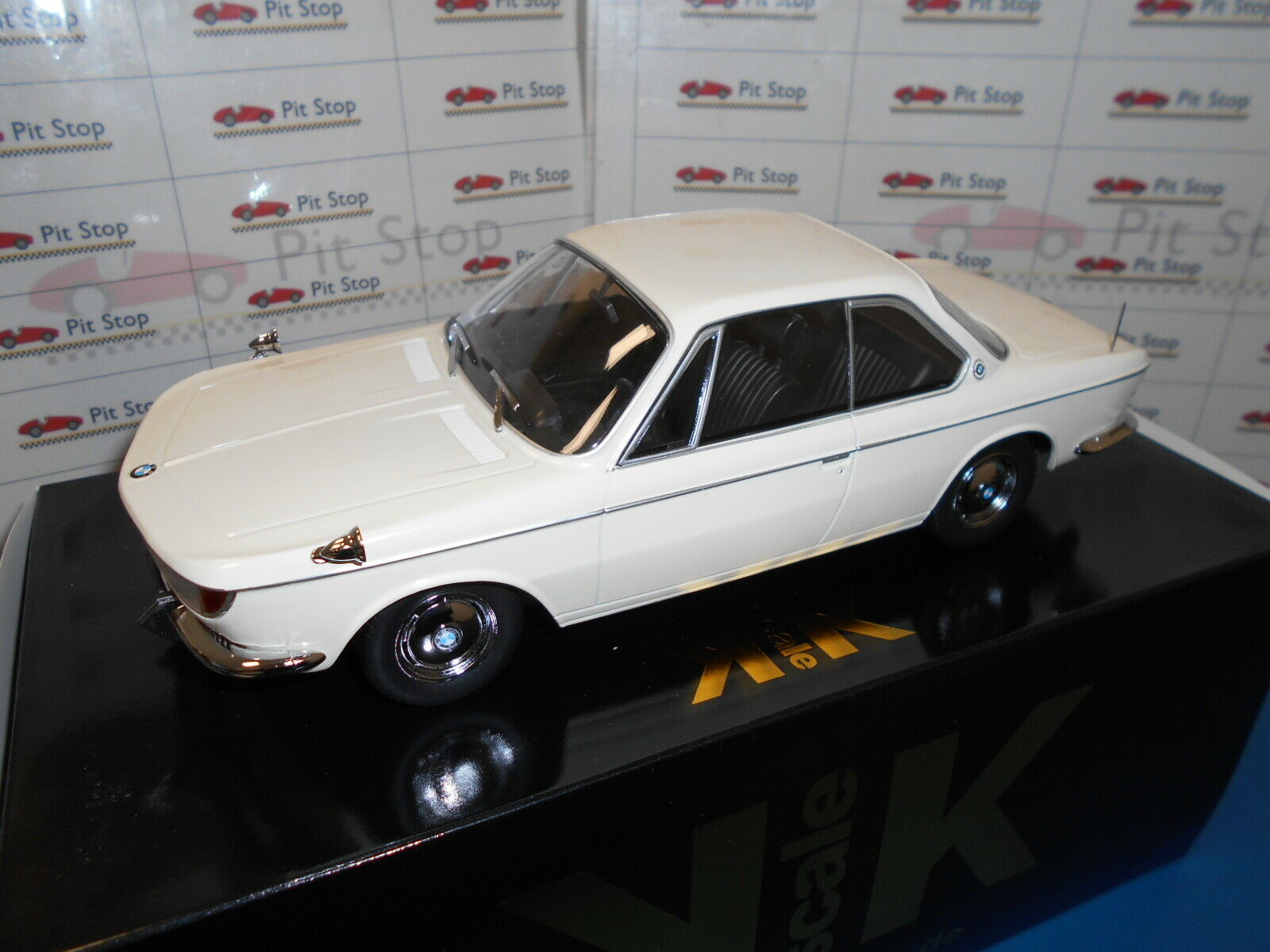 KKDC180121 by KK-SCALE BMW 2000 CS CREME 1965 1 18