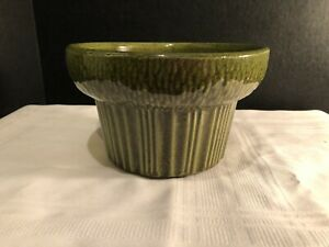 VINTAGE-MCCOY-FLORALINE-POTTERY-PLANTER-ROUND-SHAPE-GREEN-IN-COLOR-571