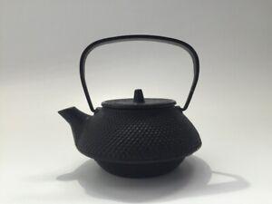 Japanese-Iron-Kettle-Vtg-Pot-Kyusu-Signed-Nambu-Ironware-Strainer-Tetsubin-q037