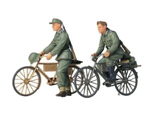 35240-Tamiya-German-Soldiers-With-Bicycles-1-35th-Plastic-Kit-1-35-Military
