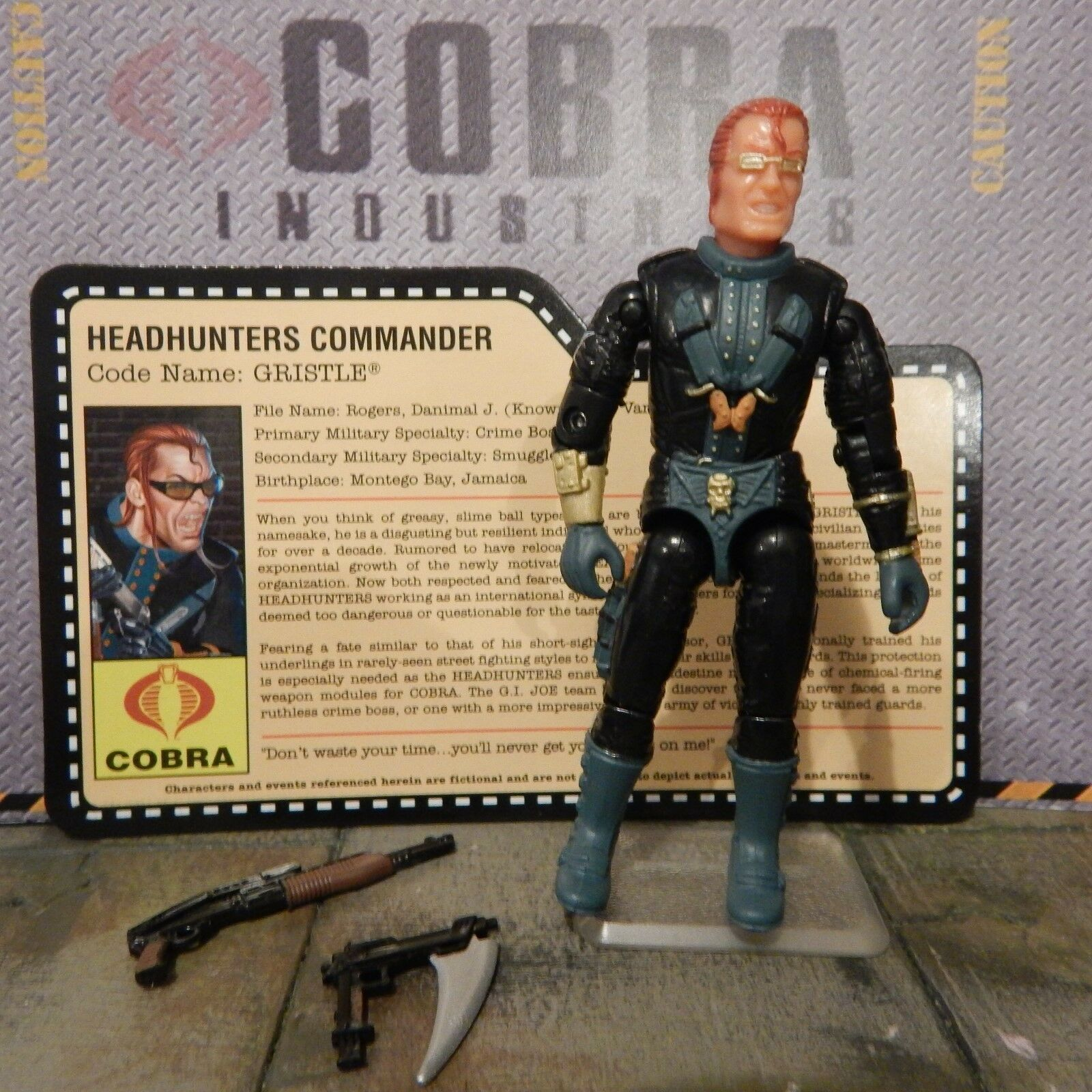 GI JOE  2008 GRISTLE HEADHUNTER COMMANDER  100% & file card  CON JOECON