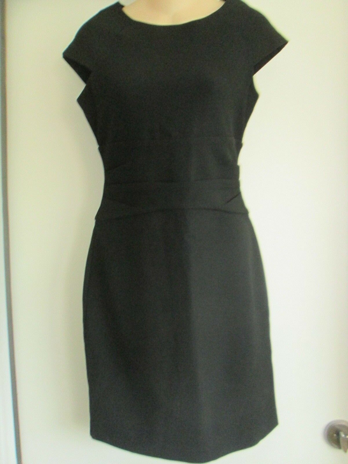 DIANE VON FURSTENBERG Cap Sleeve Sheath Dress w Full Back Zipper schwarz sz 4 NEW